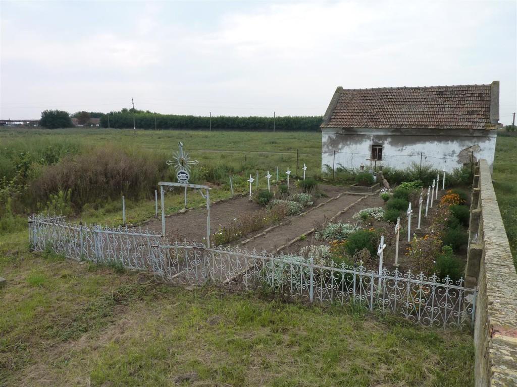 Soldatenfriedhof im August 2014