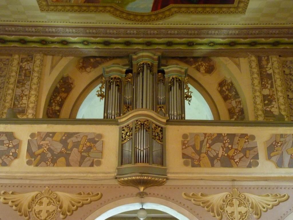 Die Orgel in der Kirche zur Heiligen Theresia