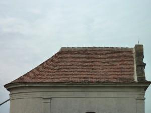 Das neu eingedeckte Dach der Friedhofskapelle