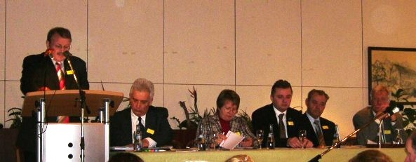 Bernhard Krastl bei der Hauptversammlung der Landsmannschaft der Banater Schwaben 2005