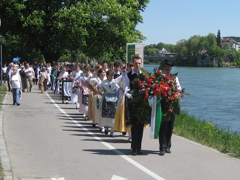 Am Donauufer zum Heimattag 2008