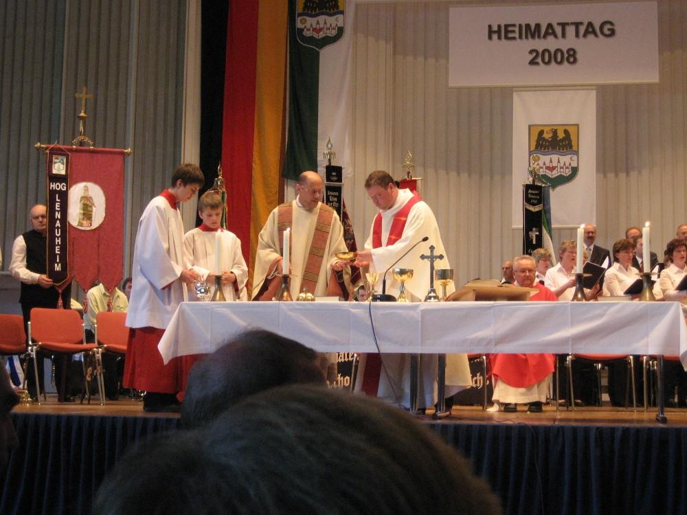 Währen der Heiligen Messe am Heimattag 2008