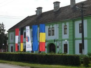 Lenau- und Heimat-Museum mit Beflaggung