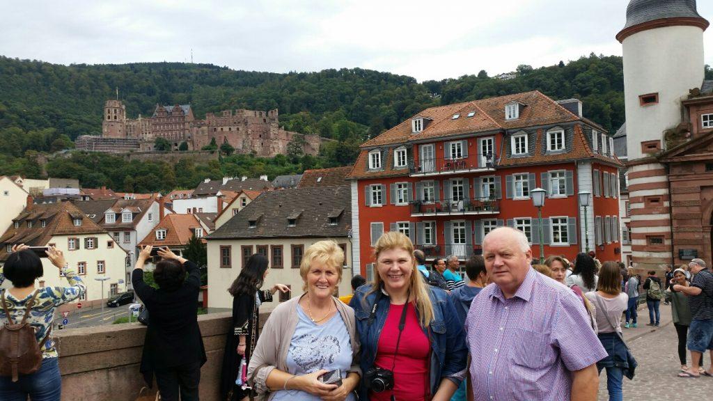Rosemari Glatz zu Besuch in Heidelberg mit dem HOG Vorsitzenden Werner Griebel und seiner Frau Isolde.