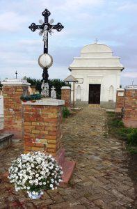 Wegkreuz auf dem Lenauheimer Friedhof