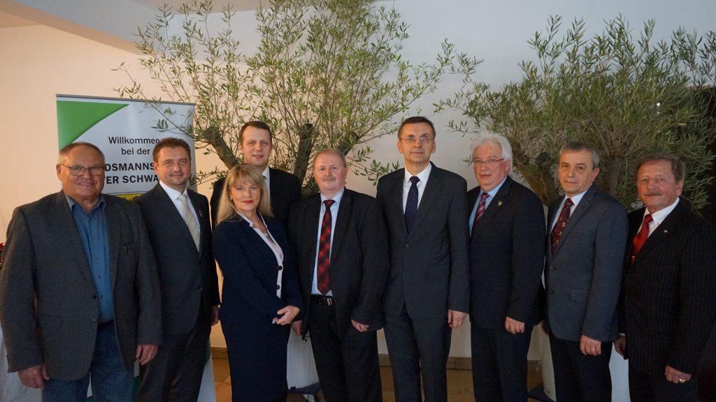 Der aktuelle Bundesvorstand mit seinem Ehrenvorsitzenden Bernhard Krastl